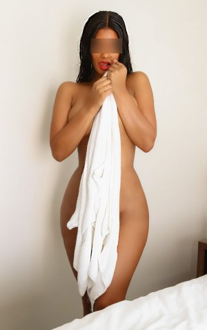 Halise escort, erotic massage