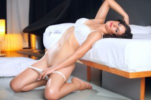 Candylene happy ending massage in Northdale Florida