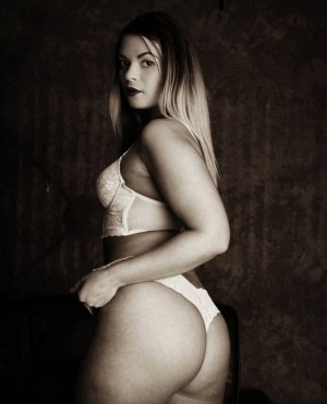 Joelle escort & happy ending massage